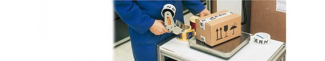 Mobile und stationäre Paketwaagen für Versandabteilung und Wareneingang